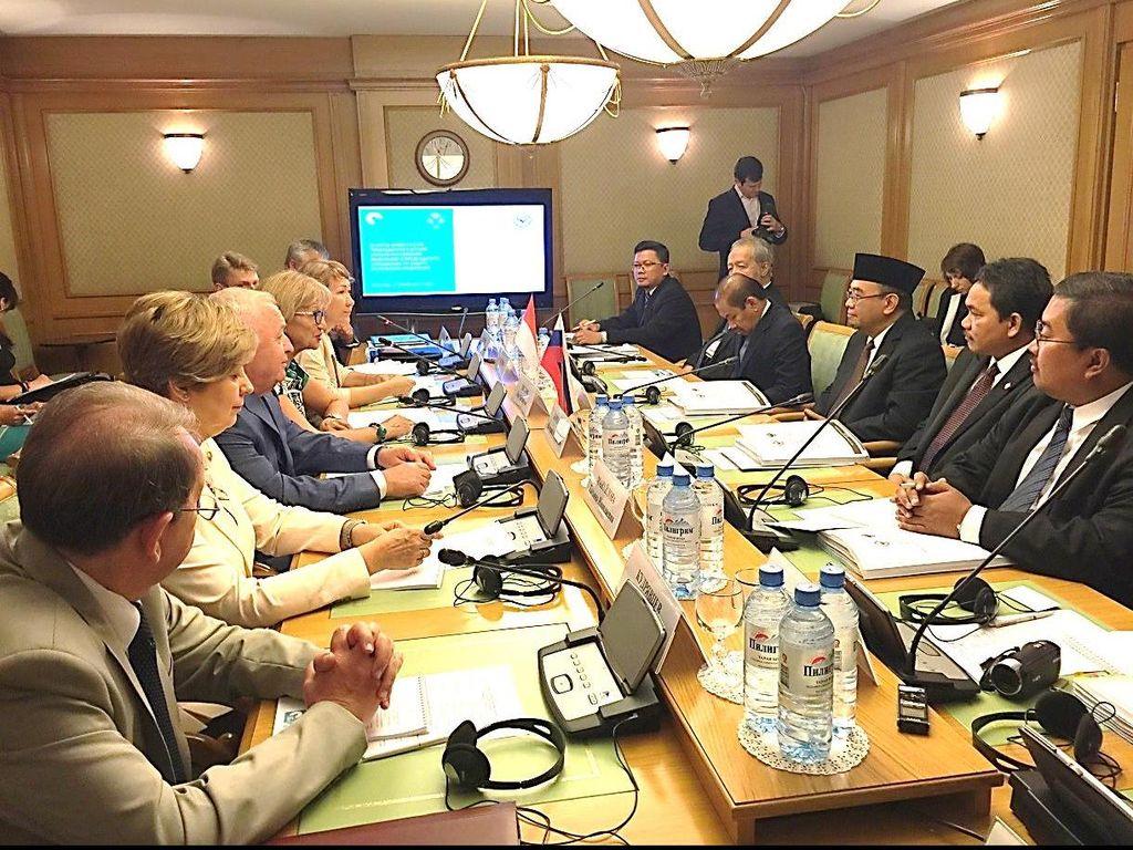 Indonesia-Rusia Tukar Cerita Soal Audit Migas dan Hutang Negara