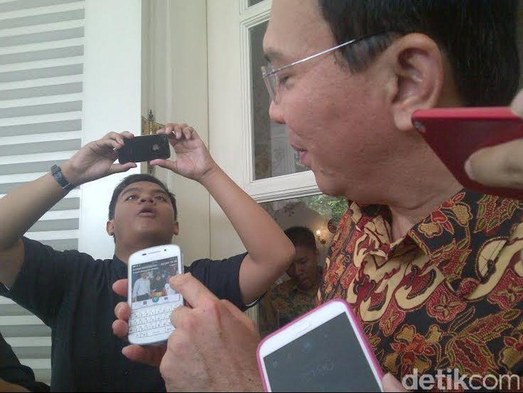 Dicegat Seorang Ibu, Ahok Ditanyai Soal KJP yang Tidak Bisa Digunakan