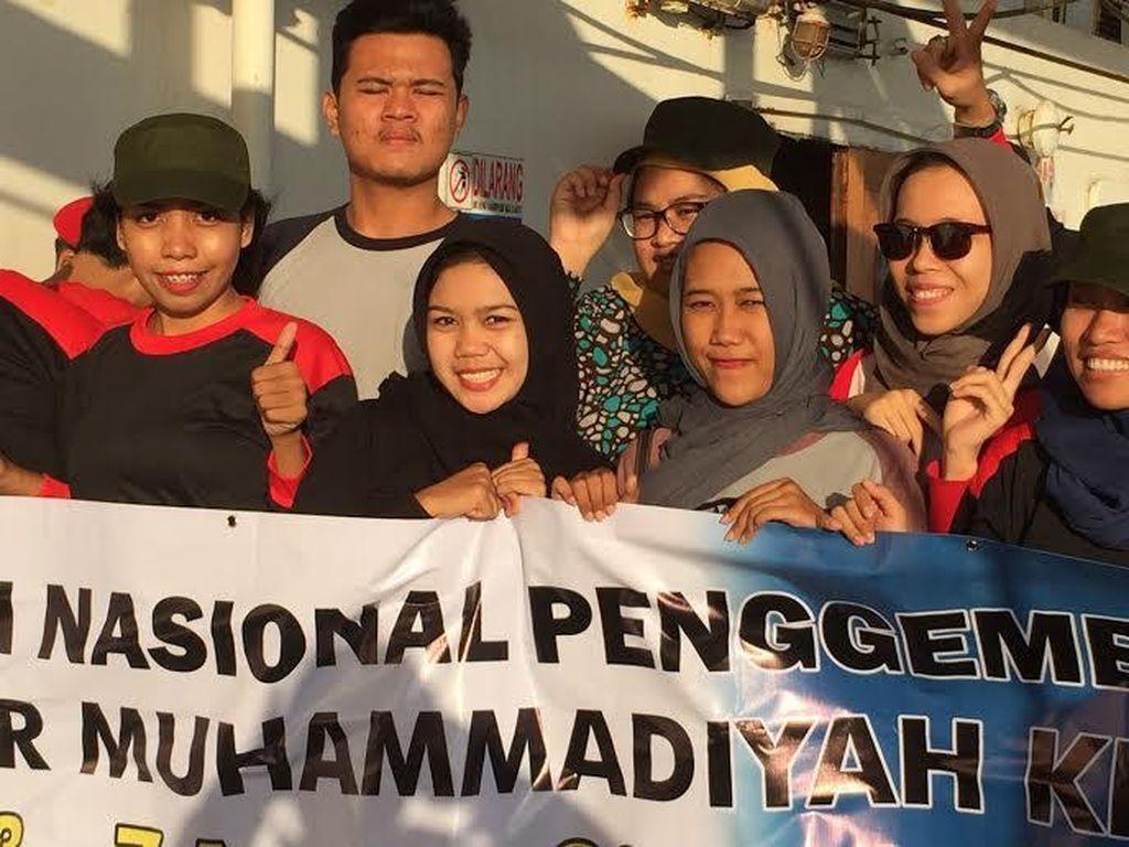 Seru! Ribuan Penggembira Muktamar Muhammadiyah ke Makassar Lewat Tol Laut