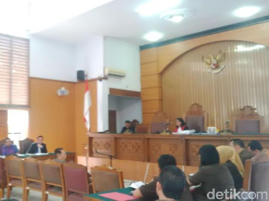 Penyidik Kejati DKI Jelaskan Prosedur Penetapan Tersangka Kasus Gardu Listrik