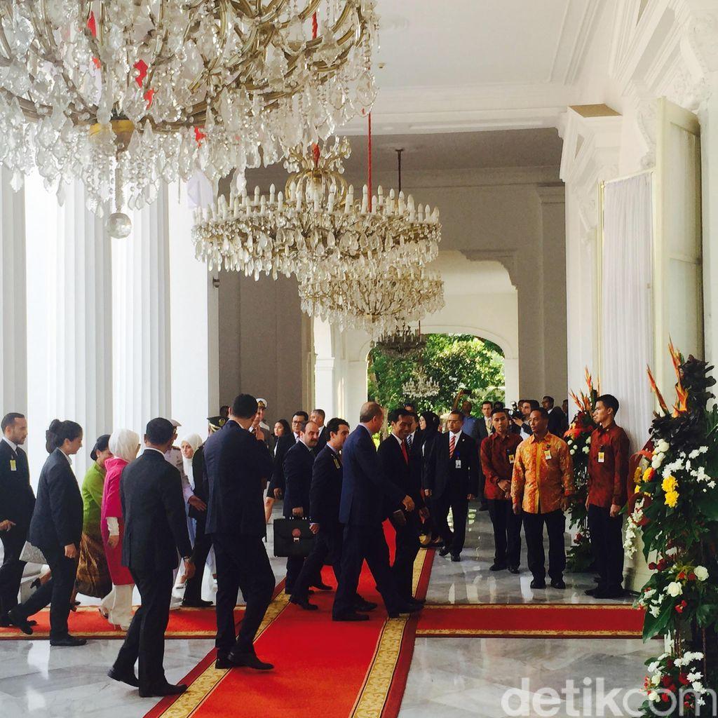 Jokowi dan Iriana Sambut Kedatangan Presiden Erdogan di Istana Merdeka