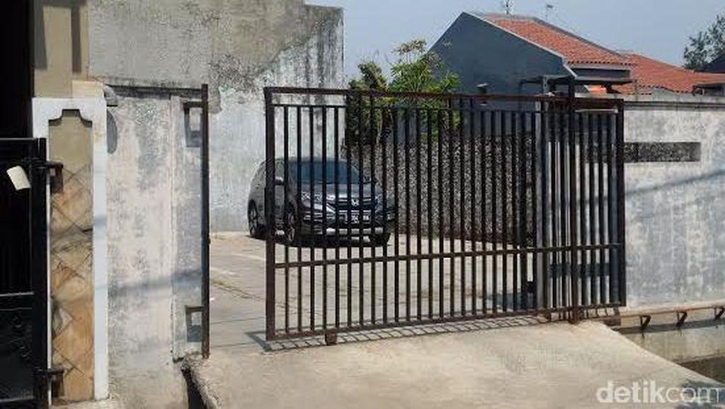Partogi Punya Parkiran Khusus di Samping Rumah untuk 4 Mobilnya