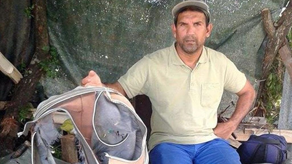 Johnny, Pembersih Sampah yang Berpotensi Menguak Misteri MH370