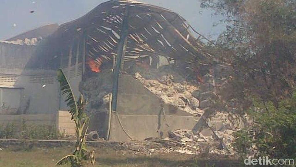 Polisi: Pabrik Kiky Masih Membara, Belum Bisa Olah TKP