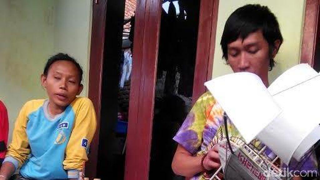 Nurohmah Terpaksa Ngojek Demi Makan Keluarga Saat Dedi Dibui