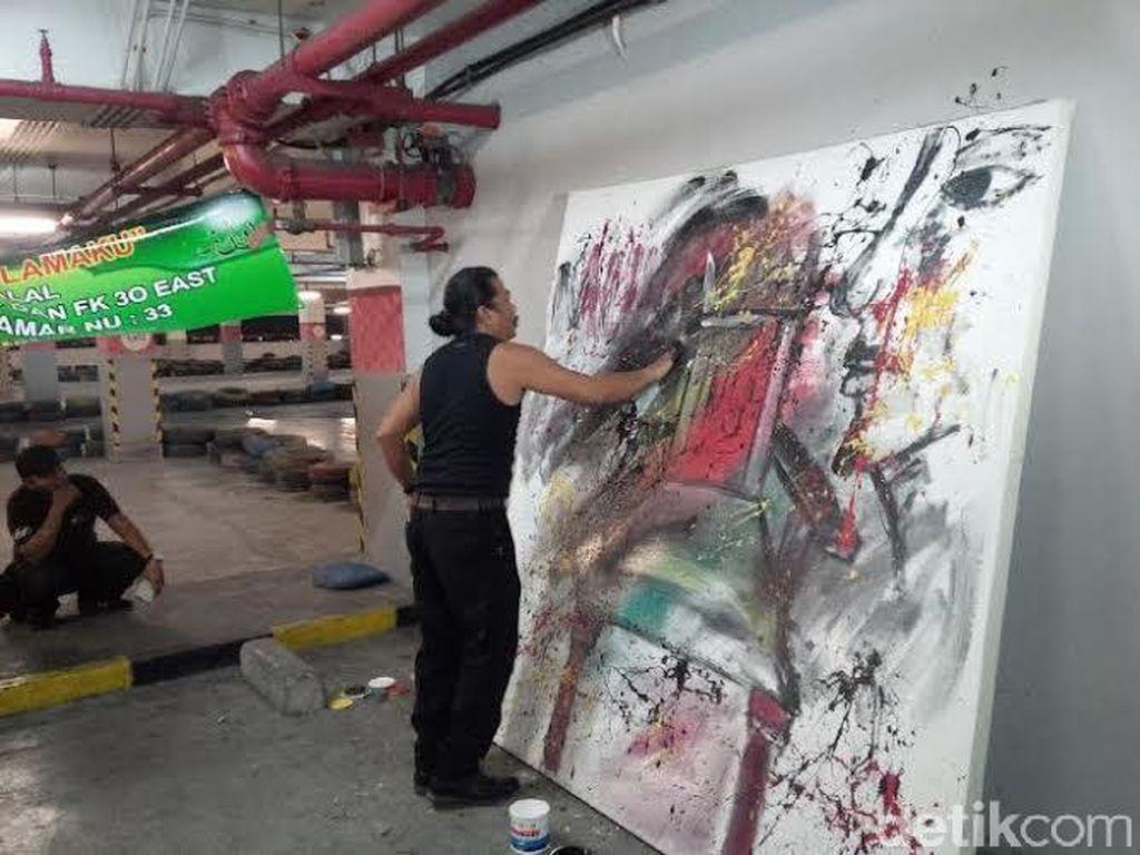 Lukisan Kursi dari Pelukis Lumpur Lapindo Untuk Muktamar NU