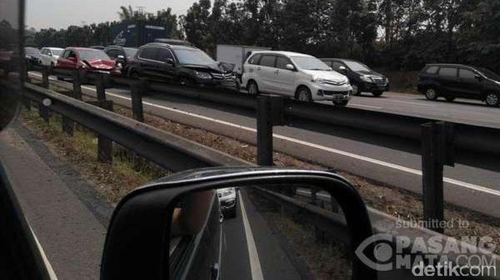 8 Kendaraan Terlibat Tabrakan Karambol di Tol Tangerang