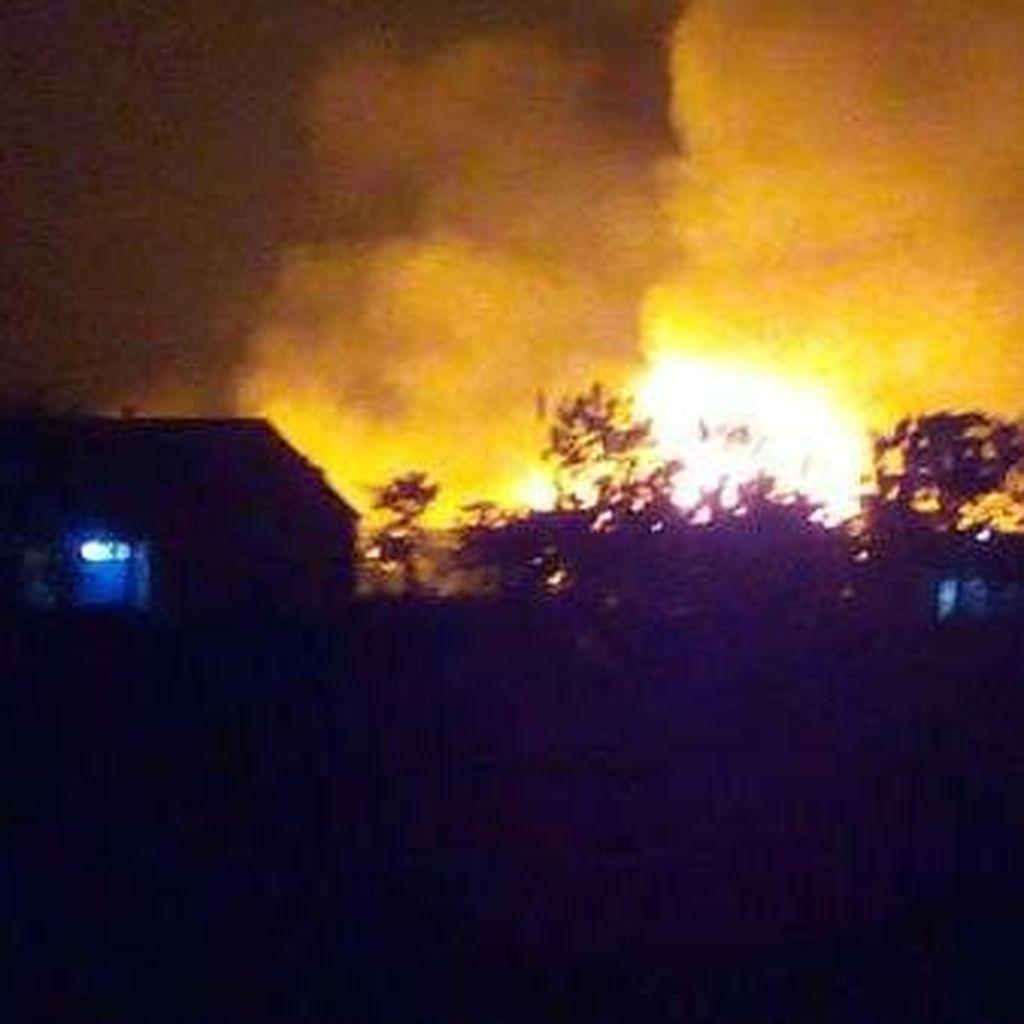 Api Masih Berkobar Pagi ini di Pabrik Buku Tulis Kiky di Boyolali