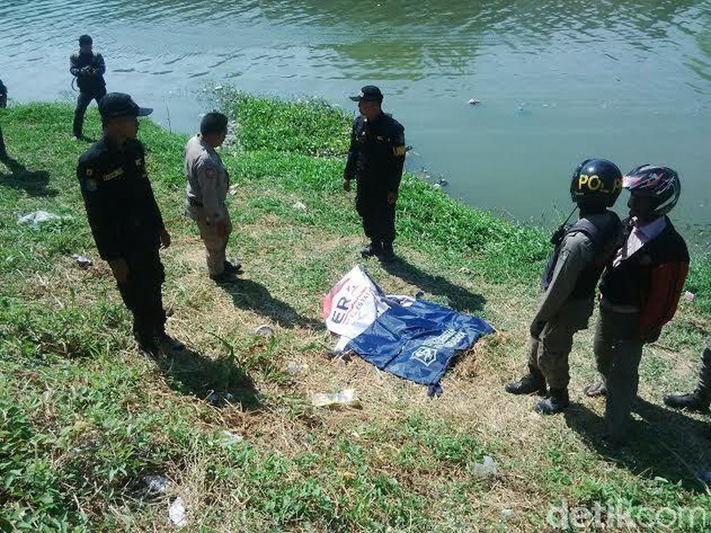Sesosok Orok Ditemukan Tewas Mengambang di Sungai Jagir