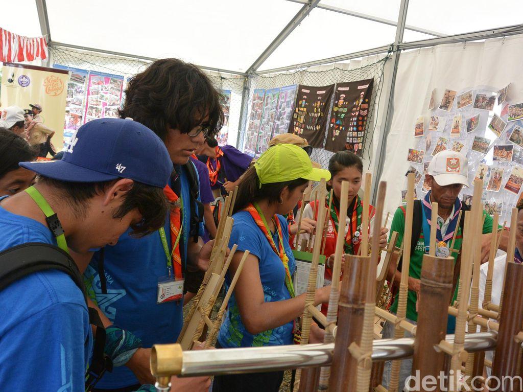 Seperti ini Kehebohan Stan Indonesia di Jambore Dunia