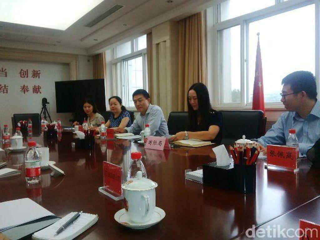 Cara Tiongkok Kendalikan Informasi yang Memantik Sensitivitas Etnis