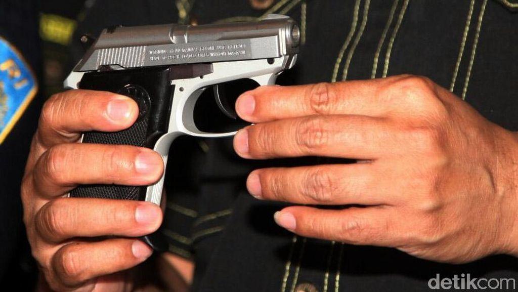 Bawa Senjata, Tentara Gadungan Ditangkap Polisi di Bandara Sentani Papua