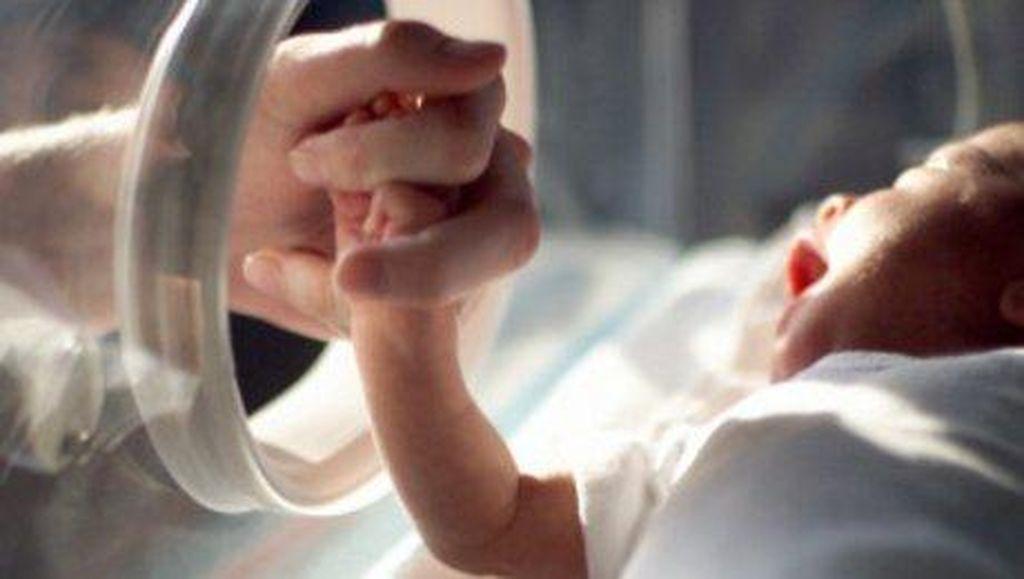 Orang Tua Kandung ini Tega Jual Bayinya Seharga Rp 15 Juta