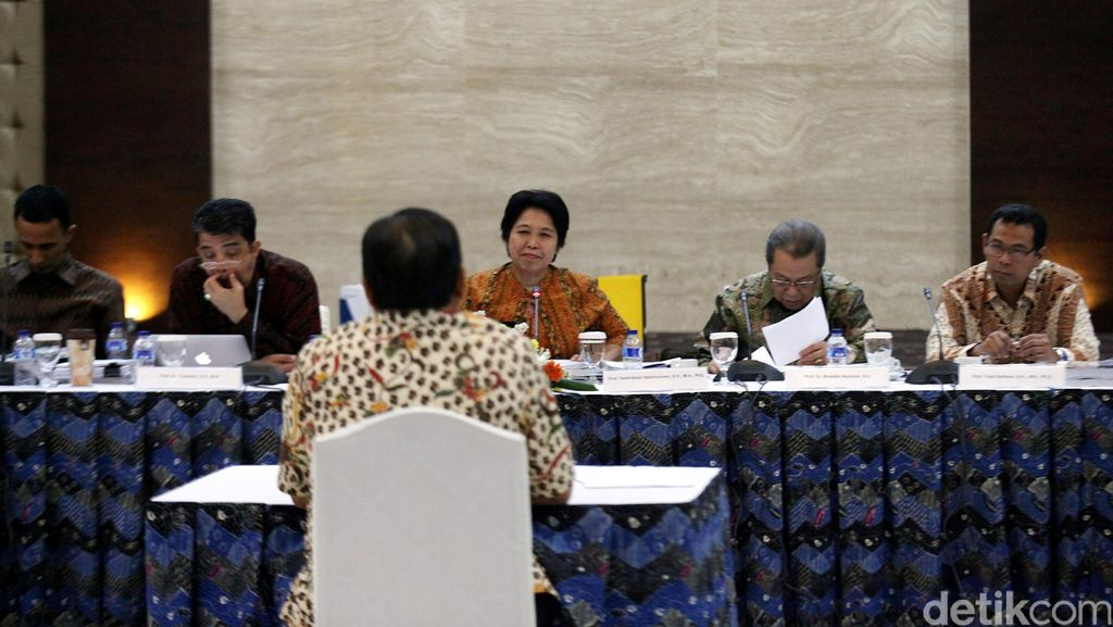 Dibacakan Jokowi, Ini 7 Nama Calon Anggota KY yang Lolos ke DPR