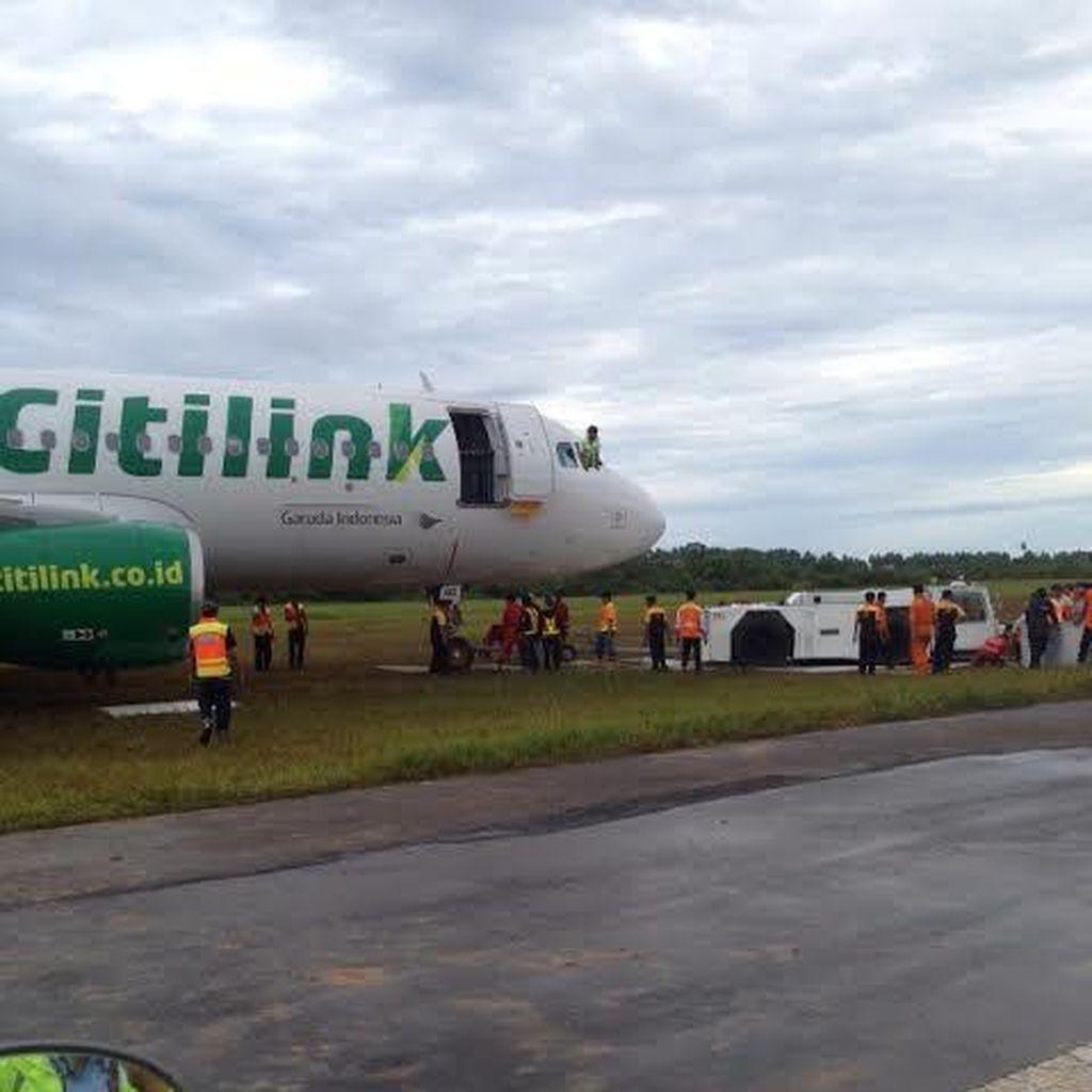 Penampakan Evakuasi Citilink di Bandara Minangkabau, Roda Sudah Ditarik ke Runway