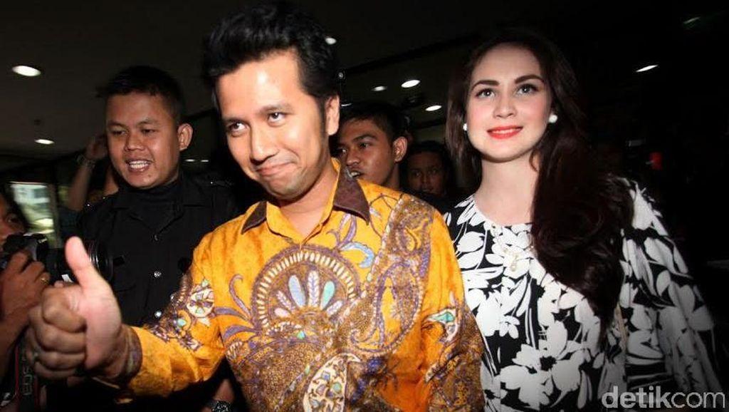Arumi Bachsin Antarkan Suami yang Maju Pilkada Trenggalek Lapor Kekayaan ke KPK