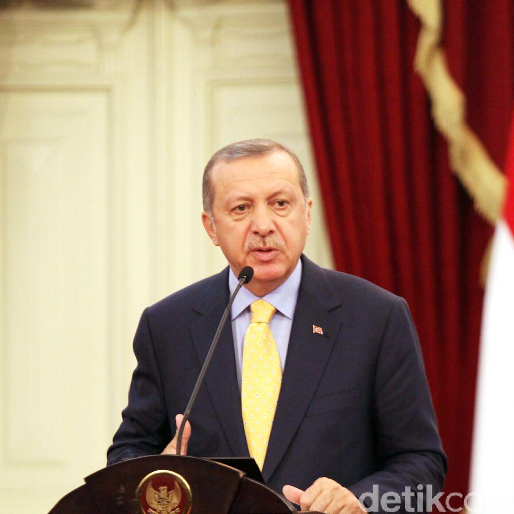 Tembak Jatuh Pesawat Rusia, Erdogan Tegaskan Tak Akan Minta Maaf