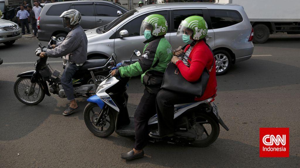 Pengemudi Go-Jek dan Mobil Adu Jotos di Jakbar