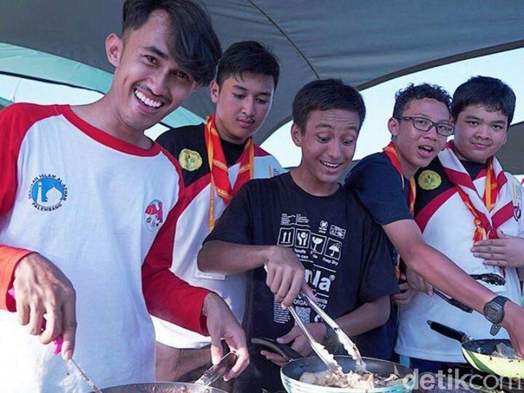 Cicipi Nasi Goreng Indonesia, Anggota Pramuka dari Negara Lain Kepedasan