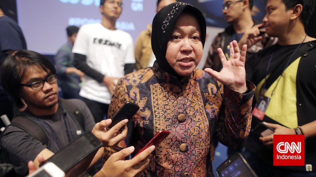 Risma Khawatir Pilkada Molor Berdampak Pada Investasi di Kota Surabaya