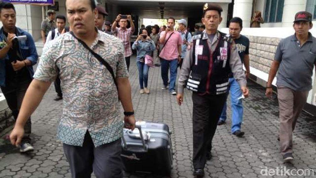 KPK Geledah Rumah 2 Eks Wakil Ketua DPRD Sumut