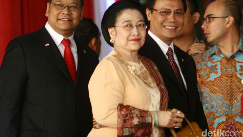 Megawati Kunjungi Pameran Naskah Kuno di Galeri Nasional