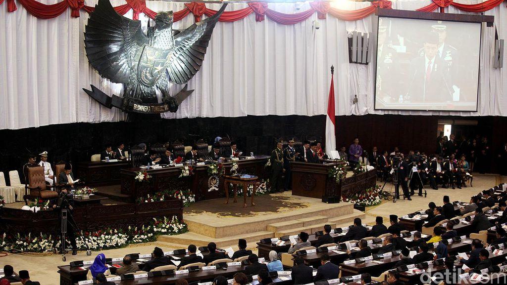 Anggota DPR Gerindra Tak Masalah Pekerja Asing Tak Wajib Bahasa Indonesia