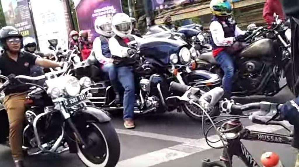 Seskab Pramono: Para Biker Sering Berlebihan Saat Mengendarai Moge