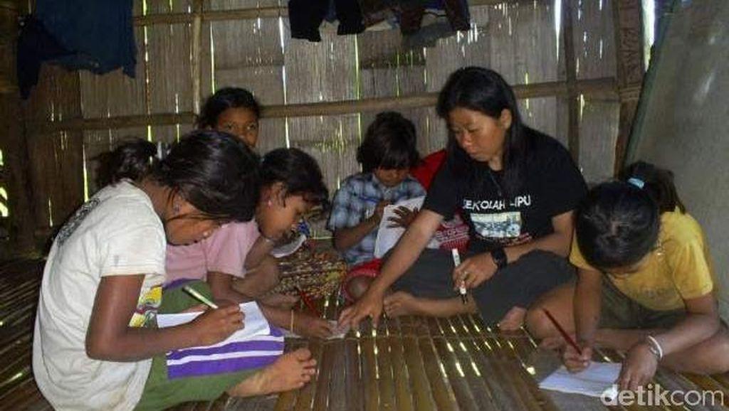 Mengintip Skola Lipu Komunitas Adat Terpencil di Sulteng