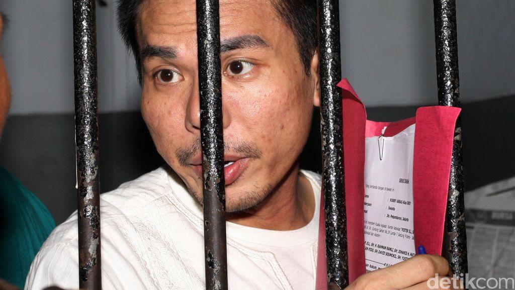 AS Sang Germo Besar Artis Ditangkap, Robby Ngaku Tak Kenal