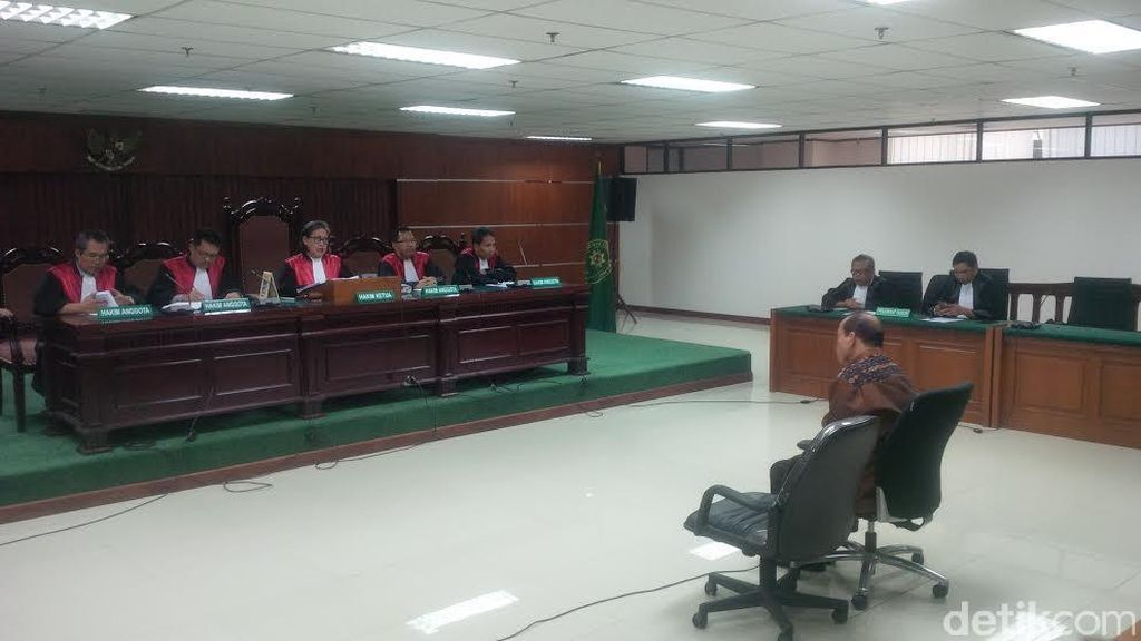 Hakim: Perbuatan Sutan Bertentangan dengan Slogan Antikorupsi yang Didengungkan