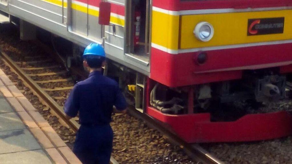 Kereta Api Lodaya Anjlok, Akses dari Timur Menuju Bandung Terputus