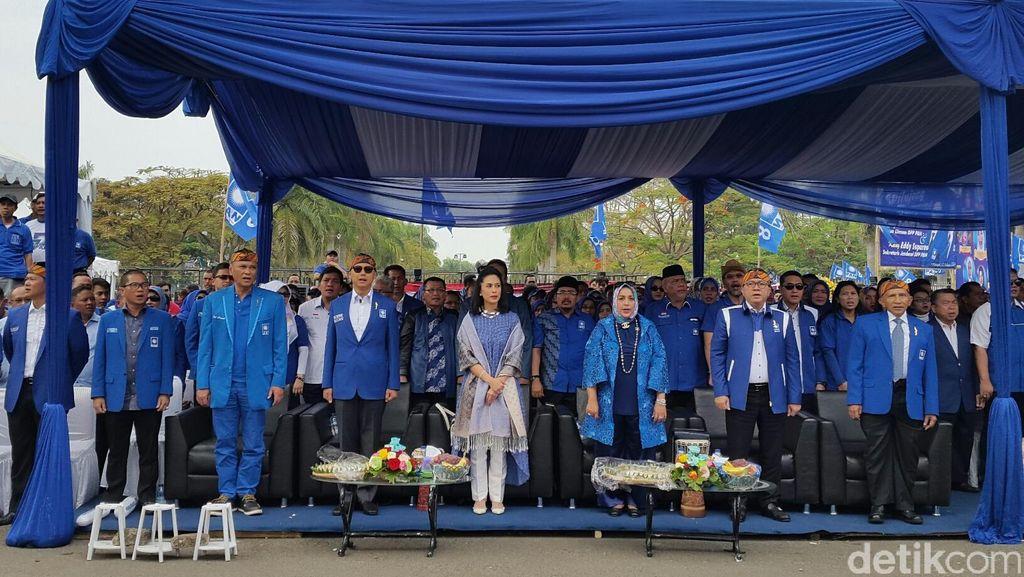 PAN Belum Mau Gusur Novanto Cs dari Kursi Pimpinan DPR