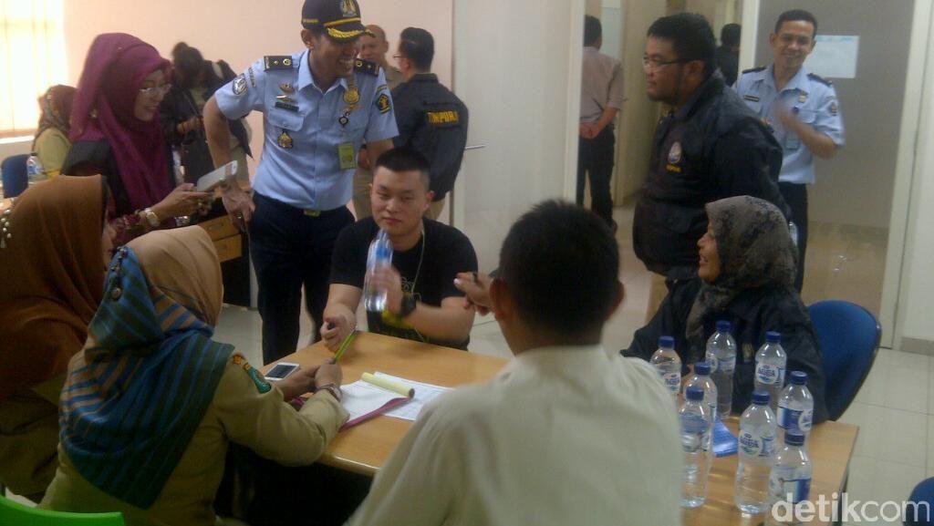 10 WNA Diamankan dari Apartemen dan Rumah Kontrakan di Depok