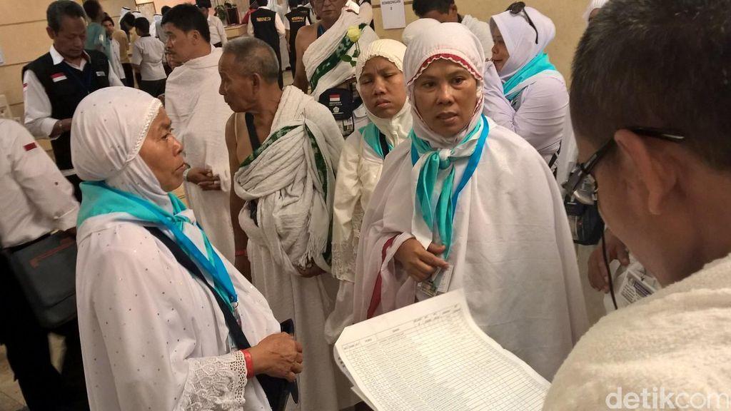 Penerbangan Haji Via Madinah Berakhir, Mulai Besok Jemaah Mendarat di Jeddah