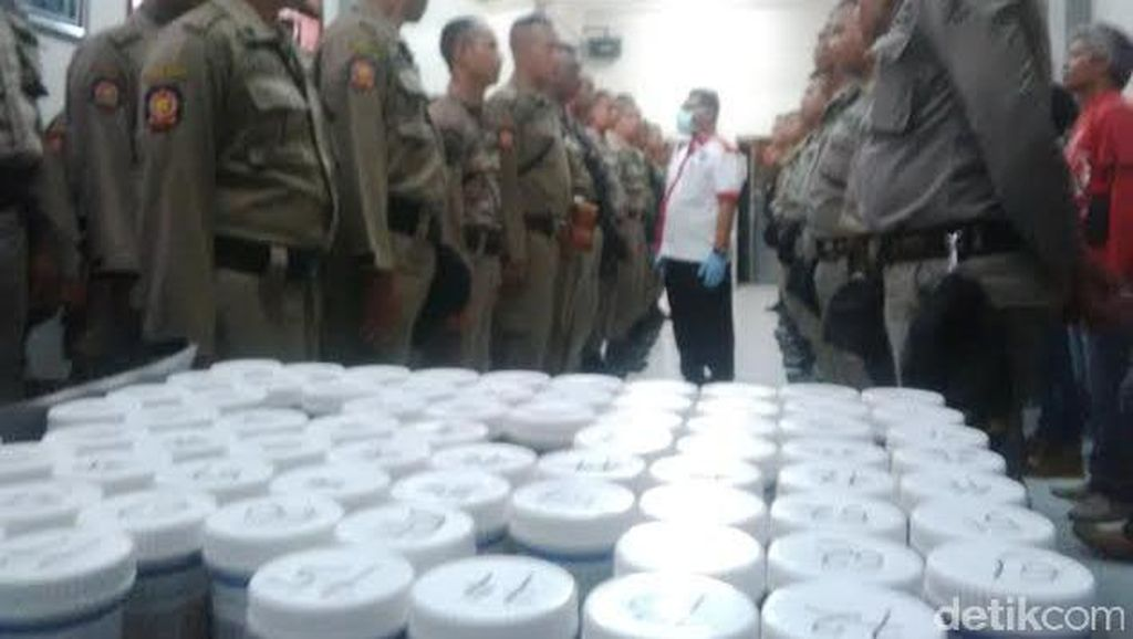 500 Anggota Satpol PP Surabaya Dites Urine