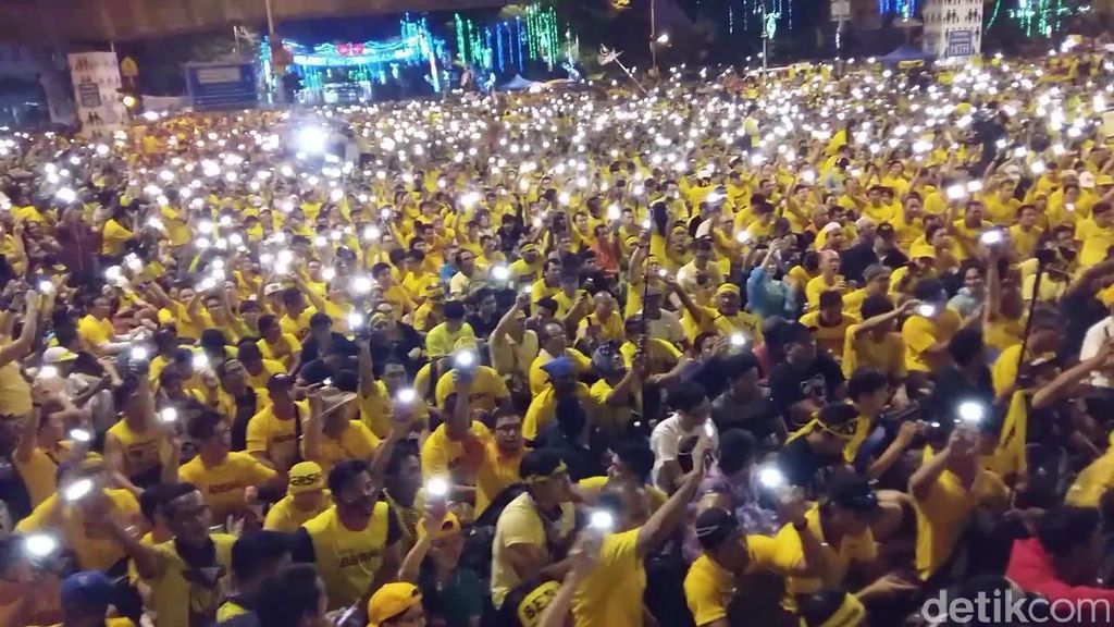 Menengok Belakang, Menelisik Lebih Dalam Demo Besar Bersih 4.0 di Malaysia
