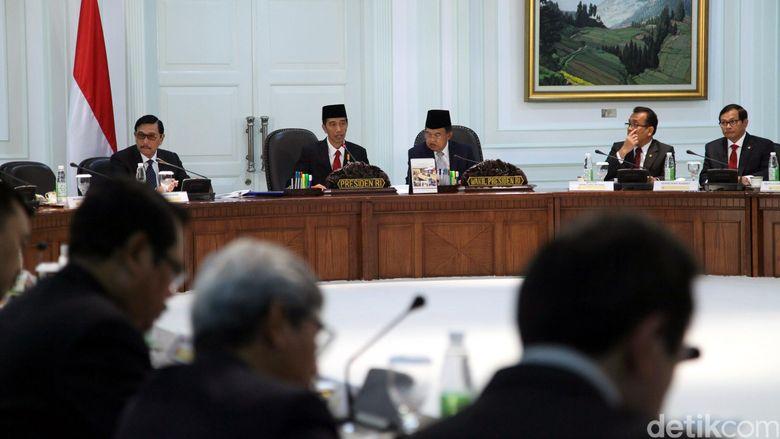 Jokowi Kumpulkan Menteri, Bahas Ruang Udara Indonesia yang Dikuasai Singapura