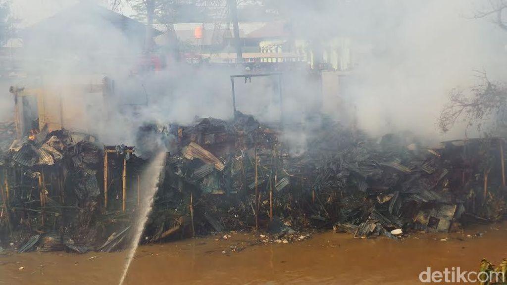Puluhan Bedeng di Manggarai Luluh Lantak Dilalap Api, Begini Penampakannya