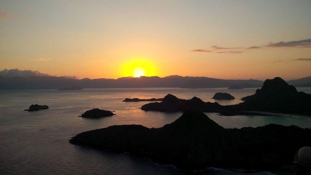 Tak Hanya Komodo, Ada View Keren di Pulau Padar dan Kerap Dipakai Foto Pre Wedding