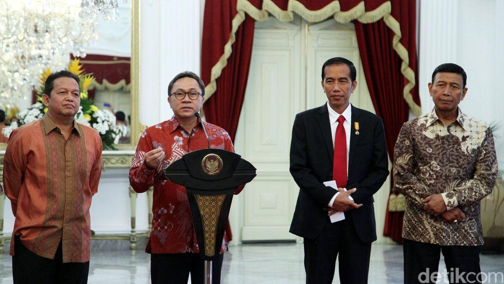 Soetrisno Bachir Dilantik Jokowi, Siapa Kader PAN yang Akan Menyusul?