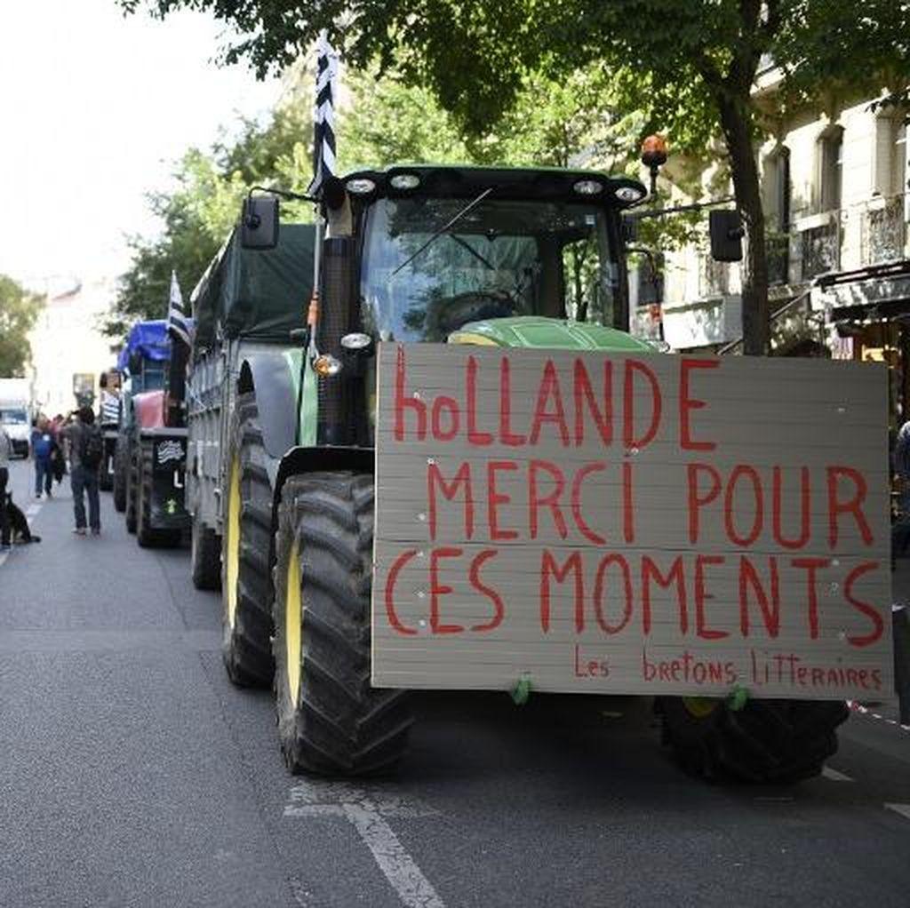 Paris Diserbu 1.000 Traktor Petani