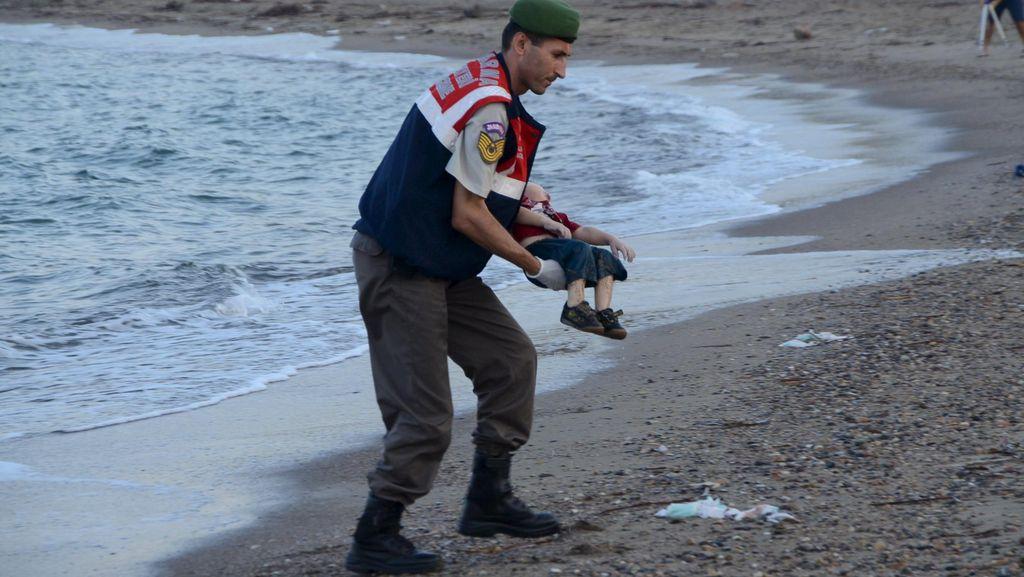 Dipicu Foto Balita Imigran, Donasi Global untuk Pengungsi Meningkat