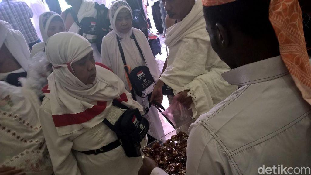 Jelang Jumatan, Kloter Pertama Gelombang Kedua Haji Indonesia Sampai di Makkah