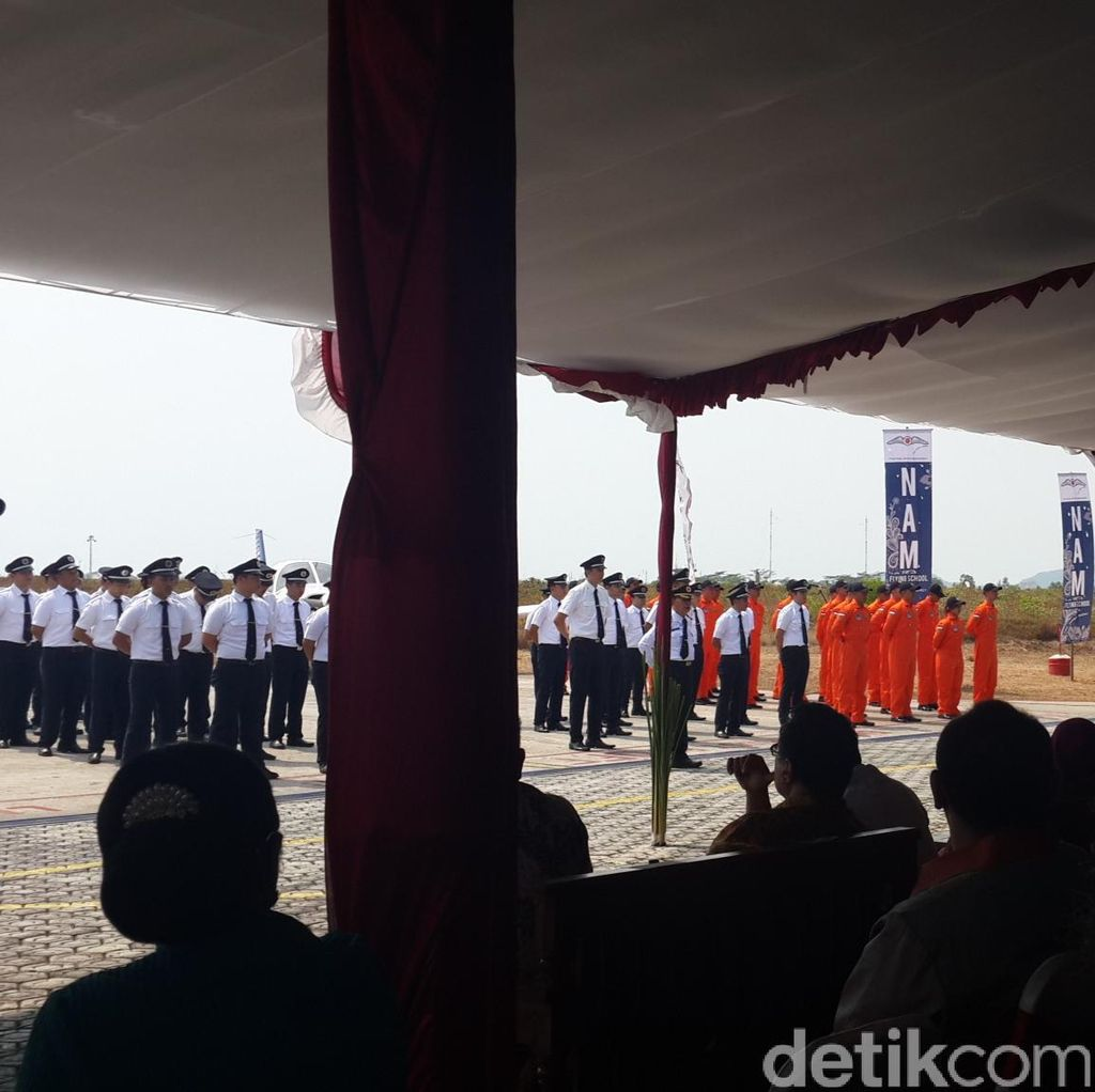 55 Penerbang Baru Siap Bantu Kekurangan Pilot di Indonesia