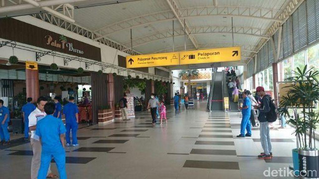 Asap Pekat Kembali Lumpuhkan 66 Penerbangan di Pekanbaru