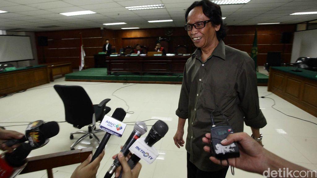 Terbukti Korupsi, Komedian Mandra Dihukum 1 Tahun Penjara