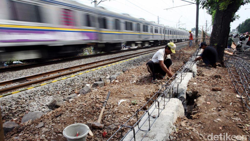 Rel Kereta Lingkar Utara-Selatan Akan Dilengkapi Pengendali Otomatis