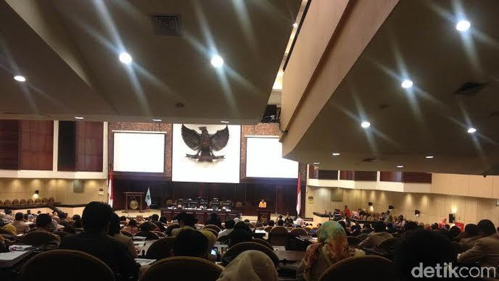 Hanura Gelar Seminar Nasional di MPR, Oesman Sapta Beri Sambutan