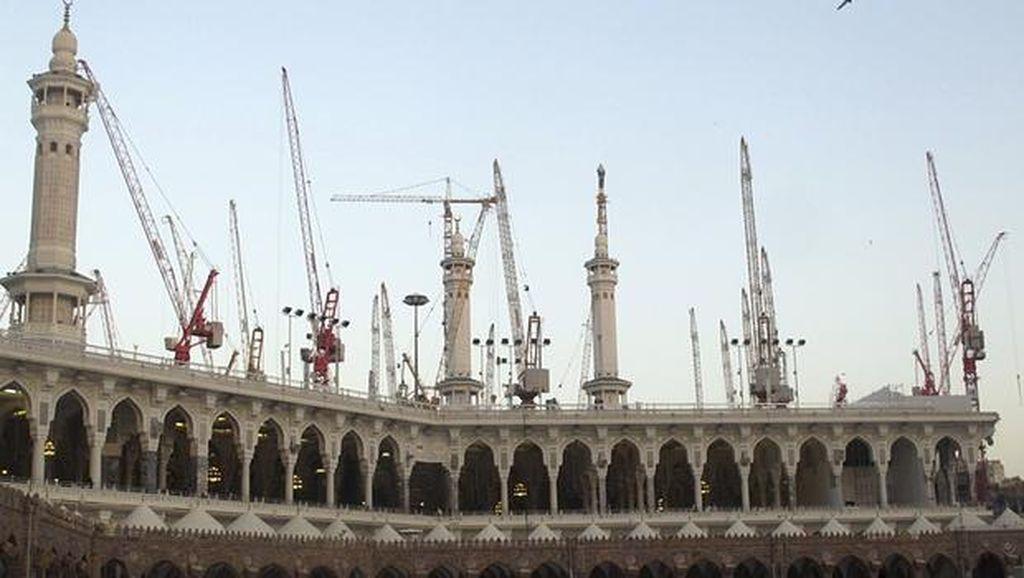 Crane Jatuh di Makkah Tewaskan 107 Orang, Ahok Sampaikan Duka Cita